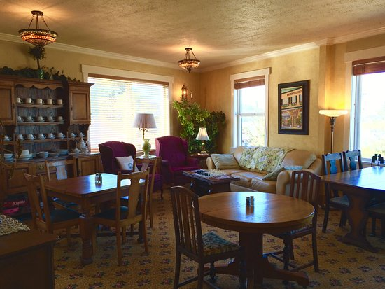 Wheeler, OR: More than just a place to eat, The Breakfast Room is open all day to enjoy.