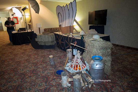 Gander, Kanada: Decorated for a theme night at the hotel function room - a western night