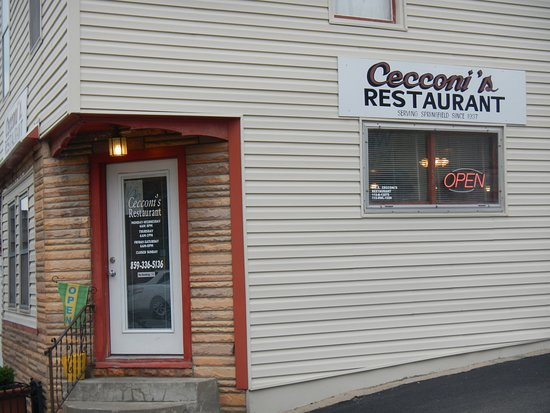 Springfield, KY: Small-town diner;  comfort food, smiling servers, friendly.  Close to Courthouse and Library.