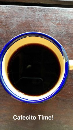 La Choza de Laurel: Coffee is freshly ground and poured at your table!