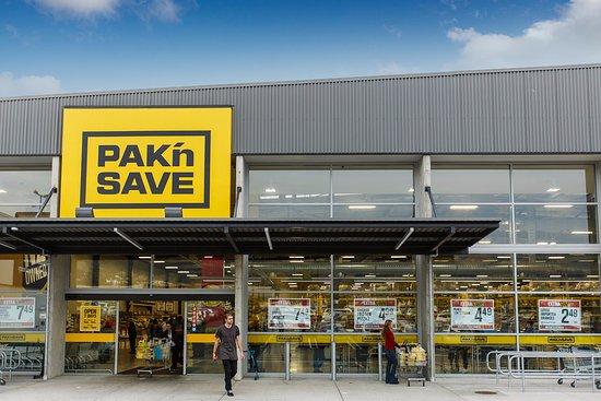 Richmond, Neuseeland: New Pak 'n Save Entrance