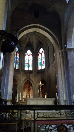 Eglise St-Trophime: Church altar