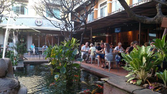 Rambuttri Village Inn & Plaza Photo