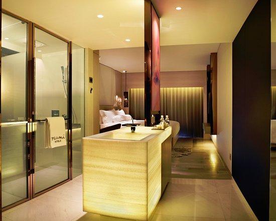 Naumi Hotel: Habitat Bathroom