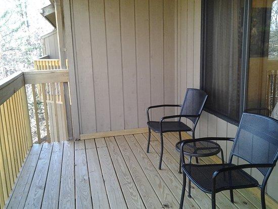 Lake Lure, NC: balcony 1 bedroom deluxe
