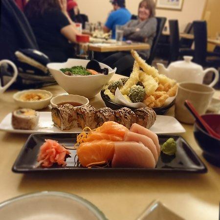Sushi Cafe: IMG-20170303-WA0005_large.jpg