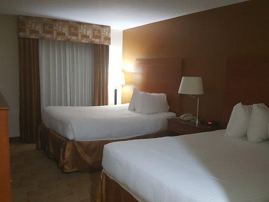 Baymont Inn & Suites Savannah South: TA_IMG_20170302_234959_large.jpg