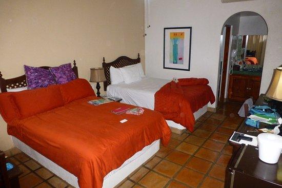Tropicana Inn: my room