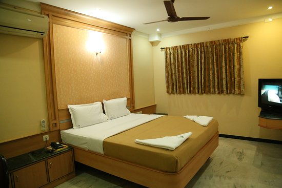 Hotel ESS Paradise