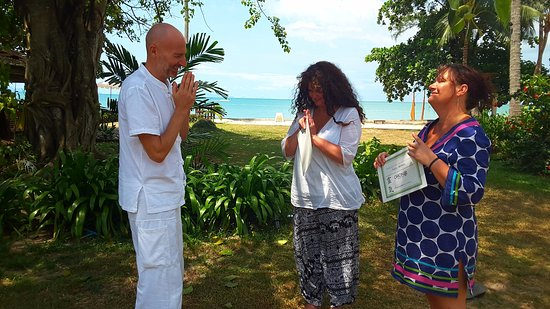 Lipa Noi, Thaïlande : The attunements into Reiki are available to everyone.