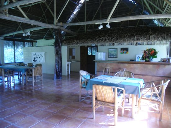Punta Gorda, Belice: upstairs thatched dining room