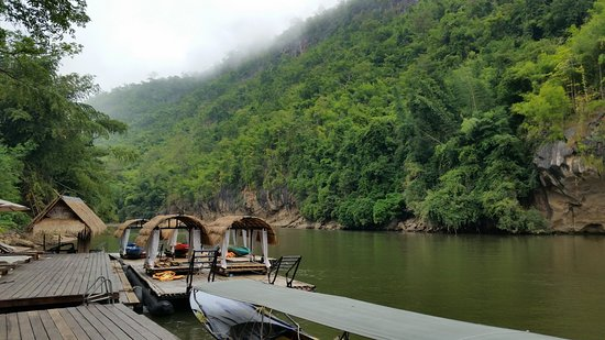 River Kwai Resotel : View on dock