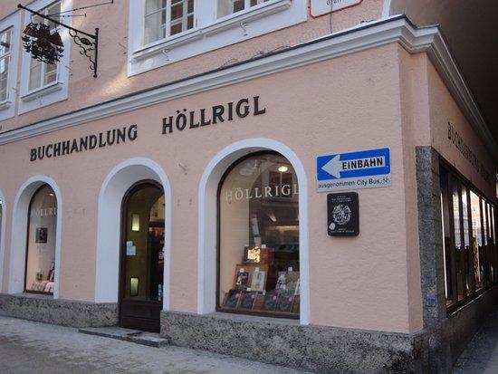 Buchhandlung Hollrigl