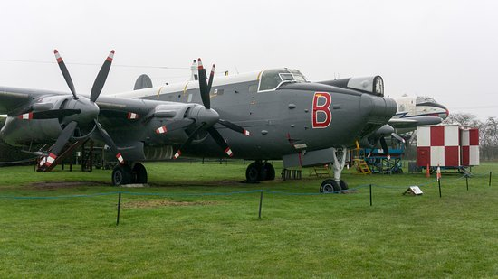 Newark Air Museum: Avro Shackleton MR.3 Phase 3 WR977/B; volunteers were working on this