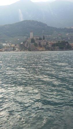 Garda Escursioni Day Boat Tours: Traversata da Limone a Monte Baldo.