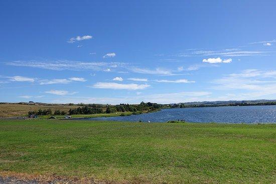 Huntly, Nueva Zelanda: Озеро Puketirini