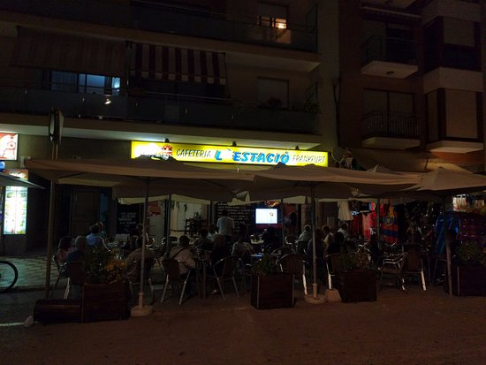 Bar estacion pineda de mar restaurant reviews photos for Restaurant pineda de mar