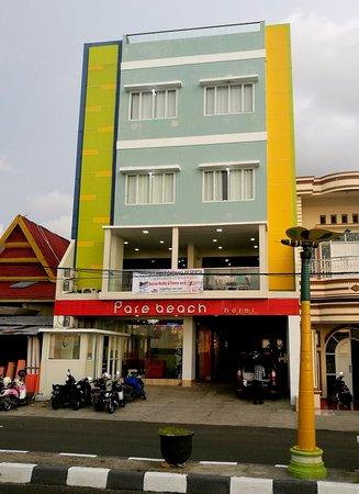 Pare Beach Hotel, Bacukiki