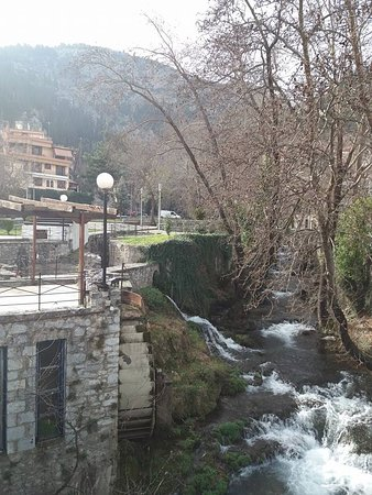 Livadia, กรีซ: Kryas in Livadeia.