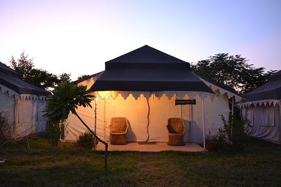 Sher Vilas Ranthambhore Maharaja Tents Exterior & Maharaja Tents Exterior - Picture of Sher Vilas Ranthambhore ...