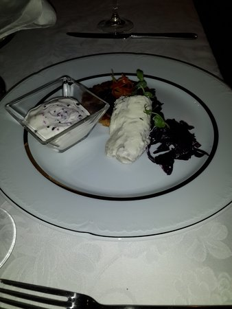 Restaurant Renomme: miscellaneous white meal
