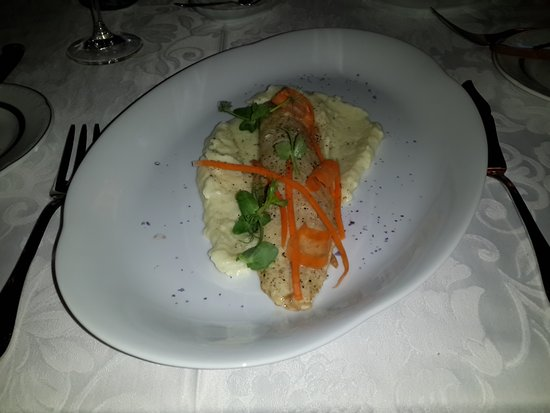 Restaurant Renomme: gluey, gluggy mash with the same peelings of carrot as garnish