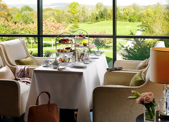 Lyrath Estate Hotel & Spa: Afternoon Tea overlooking the courtyard