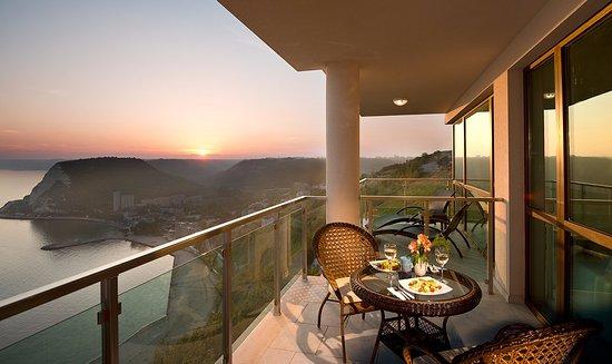 Kavarna, Bulgaria: Sunset on the balcony