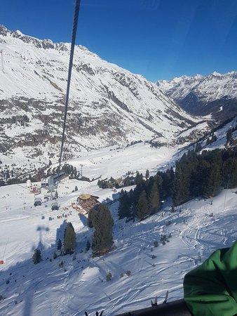 Hotel Alpenaussicht: In a gondola