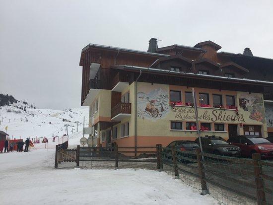 Hotel les Skieurs: Au pied des pistes