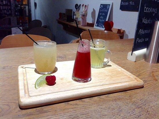 Lotties coffee & wine bar: Cosmo Mini Cocktail Board