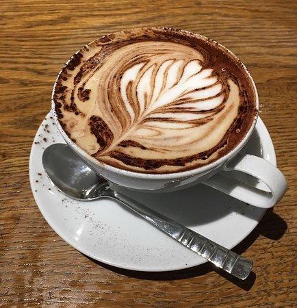 Lotties coffee & wine bar