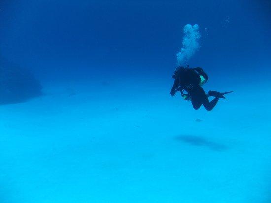 Hateruma-jima Taketomi-cho, اليابان: いつまでもいたい波照間ブルーの海