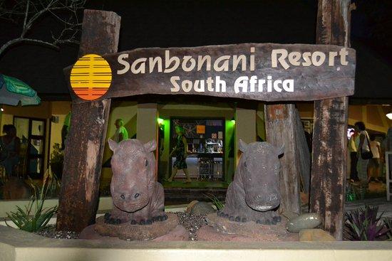 Sanbonani Resort: Ladies Bar & Selfie Corner