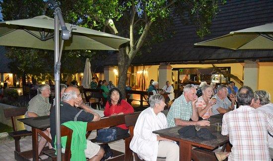 Sanbonani Resort: Ladies Bar - Fun Evening