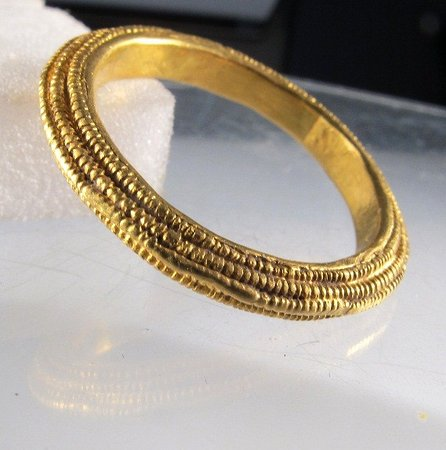 Ludlow Museum: Anglo-Saxon filigree ring