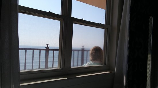 Dunes Manor Hotel & Suites: One can just relax and reflect a bit on your private oceanfront balcony! Heavenly X 100!!
