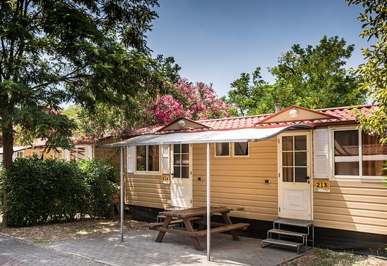 Camping Village Roma: Simple bungalow