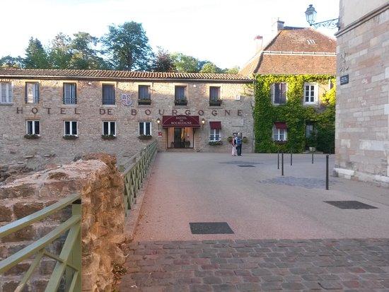 Hotel de Bourgogne: Außenansicht bei Tag