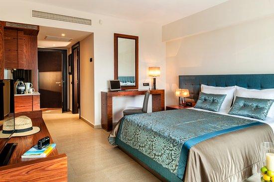 Pomegranate Wellness Spa Hotel: Elegant Room (Garden View)