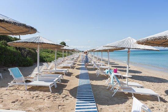 Pomegranate Wellness Spa Hotel: Private Sandy Beach