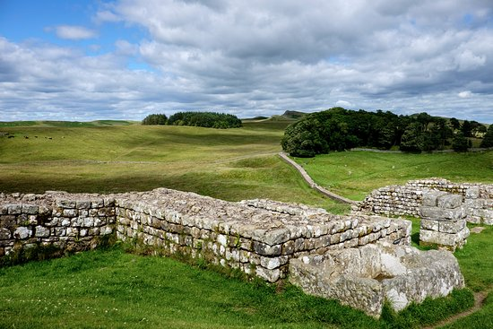 ‪Housesteads Roman Fort - Hadrian's Wall‬