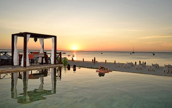 The Z Hotel Zanzibar: Infinity Pool sun set