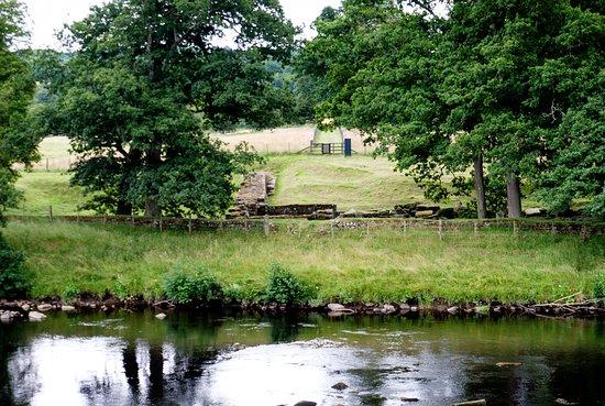 Hexham, UK: Chester's Fort foundations for bridge