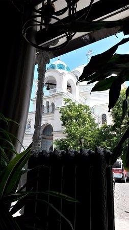 """Yevpatoriya: Вид на храм из окна ресторана """"Модерн"""""""