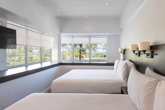 ocean corner room two queen beds picture of penguin hotel miami rh tripadvisor com