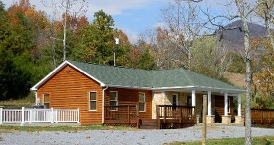 1947 Rock Tavern Retreat (part of #1 Rock Tavern River Kamp) 2 Bed  2 bath cabin -across the roa