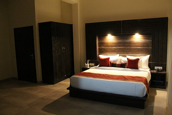 Good Hotel Rooms - Picture of Hotel Holiday Highlights, Dhikuli -  Tripadvisor
