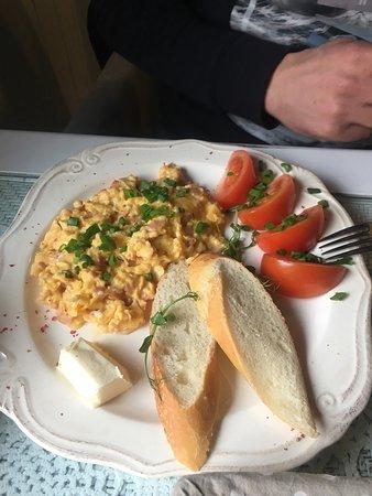 Wodzislaw Slaski, Polonya: Śniadania przepyszne! Desery też!