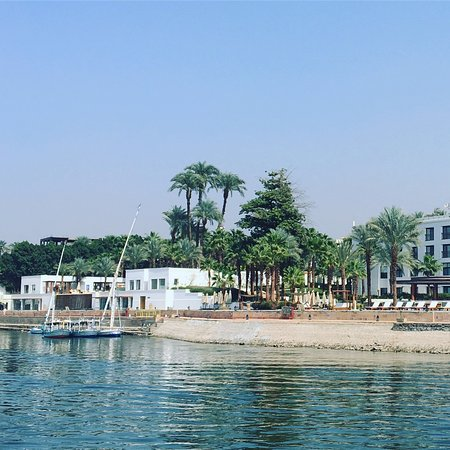 Hilton Luxor Resort & Spa: Hotel view from a Nile Boat
